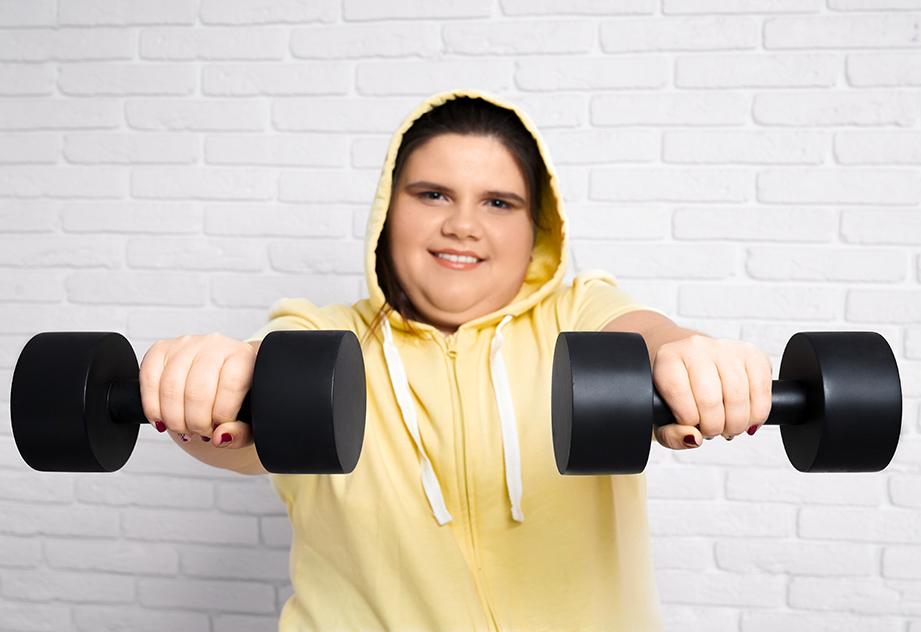 האם כל אדם שמן צריך לרדת במשקל?