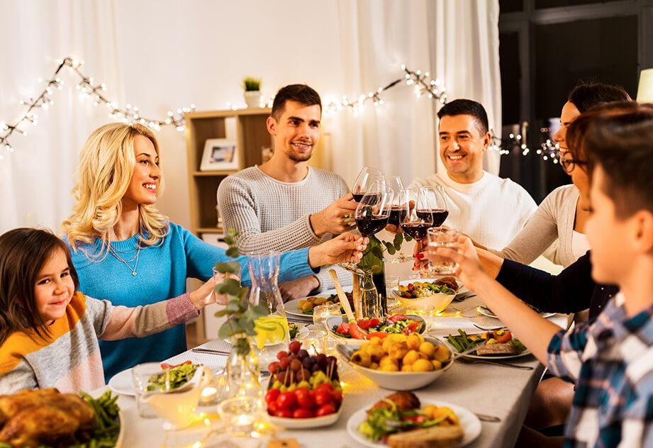 """""""לא על המצה לבדה""""/ מיטל עזר וסימונה גורן, דיאטניות קליניות וספורט ב'נוטריקס' מחלקת התזונה במדיקס"""