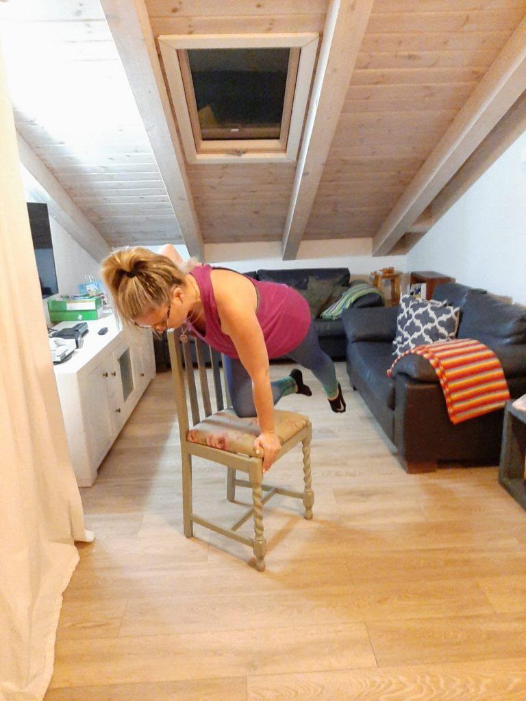 אימון גופני באמצעות כיסא